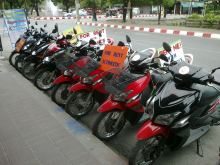 Motobike renting service in Hue (Photo: Visithue.vn)