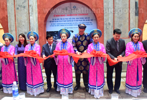 "The ribbon-cutting ceremony of ""Conservation and restoration of Phung Tien temple - Hue Imperial City"" project"