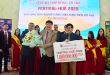 Vice Chairman of the People's Committee of Thua Thien Hue province Nguyen Dung attends the ceremony