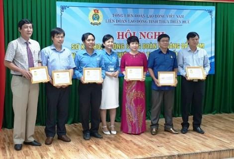 Trao Bằng Lao động sáng tạo của Tổng Liên đoàn Lao động Việt Nam