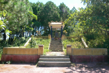 The memorial stele of Mrs. Hoang Thi Loan is located in Ban Mount