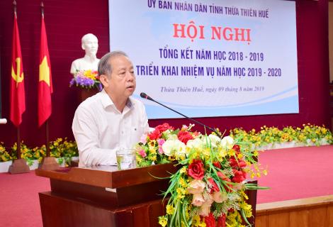 Chủ tịch UBND tỉnh Phan Ngọc Thọ phát biểu tại Hội nghị