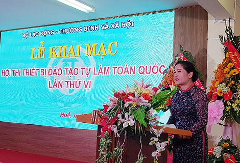 Thứ trưởng Bộ Lao động - Thương binh và Xã hội Nguyễn Thị Hà phát biểu tại lễ khai mạc Hội thi