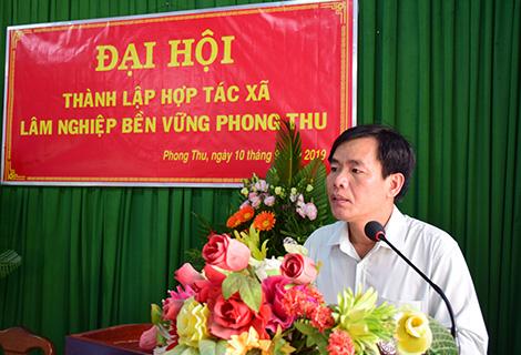 Phó Chủ tịch UBND tỉnh Nguyễn Văn Phương phát biểu tại đại hội
