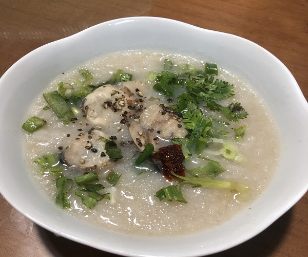 A bowl of clam porridge