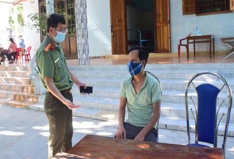 Tài xế Trương Thanh Minh khai báo hành vi với cơ quan công an